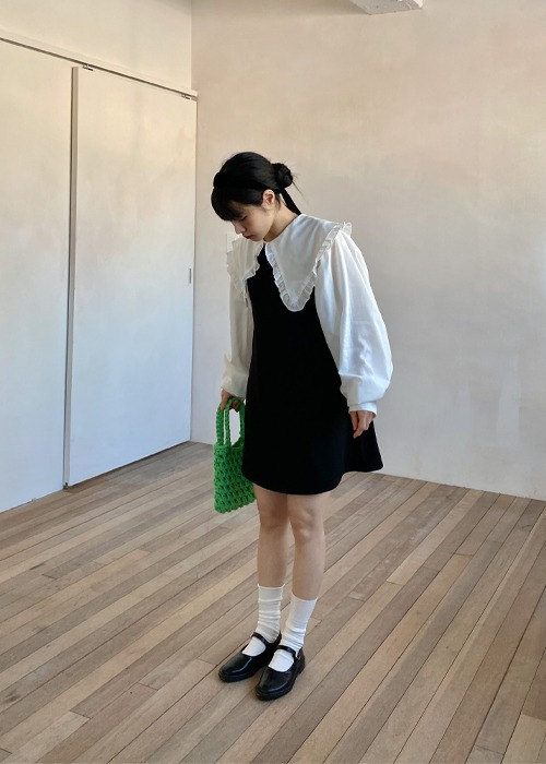 Black Sleeveless U-neck Dress